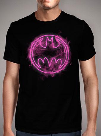Мужская футболка Neon Pink Bat Signal