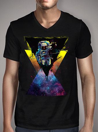 Мужская футболка с V-образным вырезом Black Hole Triangle In Space