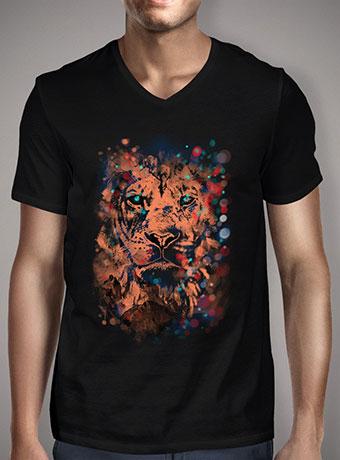 Мужская футболка с V-образным вырезом The Lion Whisperer