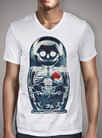Мужская футболка с V-образным вырезом Nesting Doll X-Ray