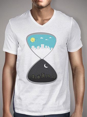Мужская футболка с V-образным вырезом Day & Night 2