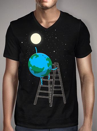 Мужская футболка с V-образным вырезом Reach the Moon