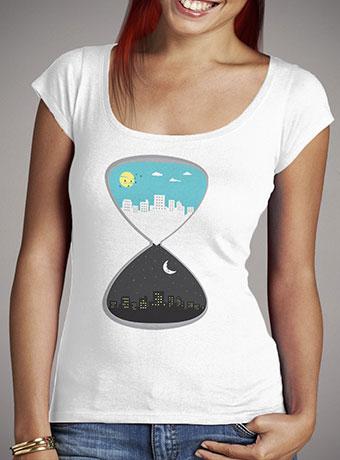 Женская футболка с глубоким вырезом Day & Night 2