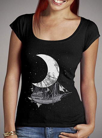 Женская футболка с глубоким вырезом Moon Ship