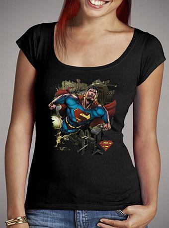 Женская футболка с глубоким вырезом Superman Over Metropolis